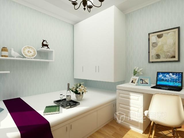榻榻米加吊柜节省卧室空间,配上书桌,淡蓝色的花纹壁纸,营造一个宁静