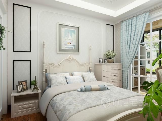 淡蓝色的窗帘和背景墙相呼应,简单的欧式线条穿插在简约的空间设计之